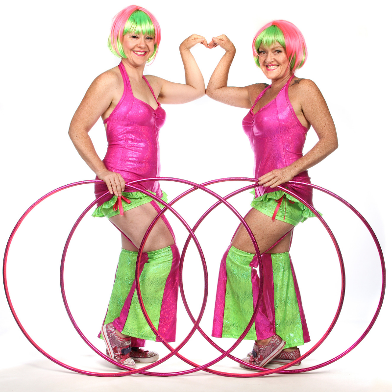 La La Sistarz - 4 Hoops Heart Arms- 800x800
