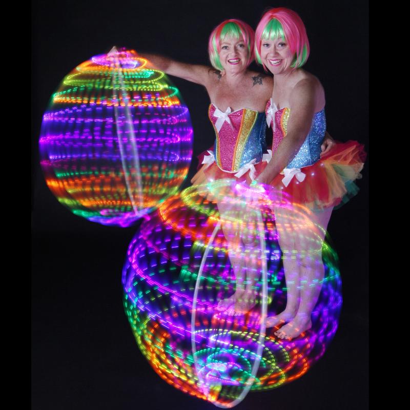 La La Sistarz - LED Spheres - 800x800